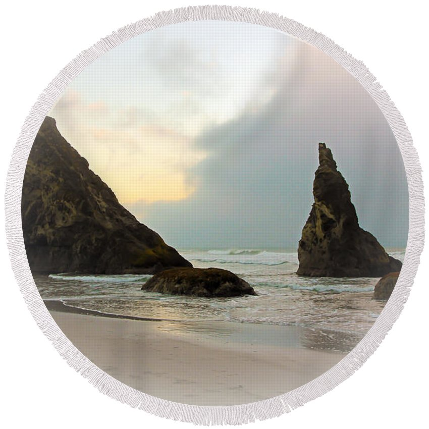 Bandon Oregon Beaches Round Beach Towel featuring the photograph The Mist Of The Ocean by Athena Mckinzie