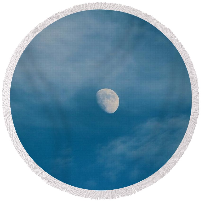 Moon Round Beach Towel featuring the photograph The Moon by Cynthia Guinn
