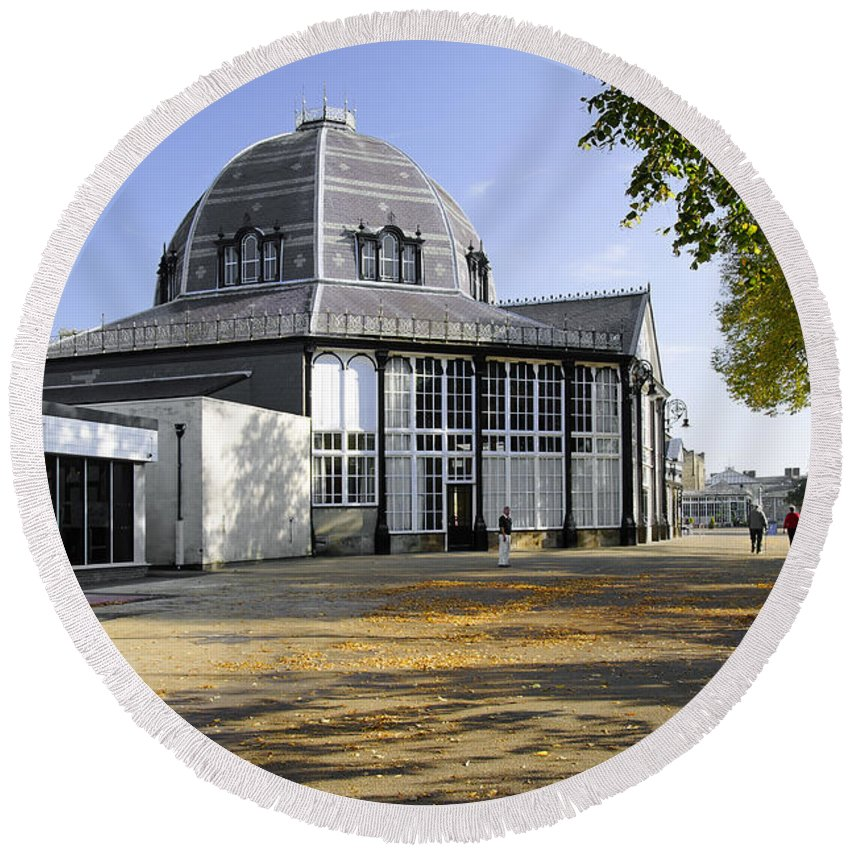 Bright Round Beach Towel featuring the photograph The Octagon - Buxton Pavilion Gardens by Rod Johnson