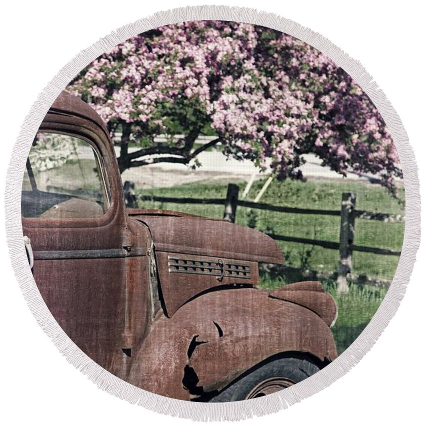 Quechee Round Beach Towel featuring the photograph The Old Truck And The Crab Apple by Edward Fielding