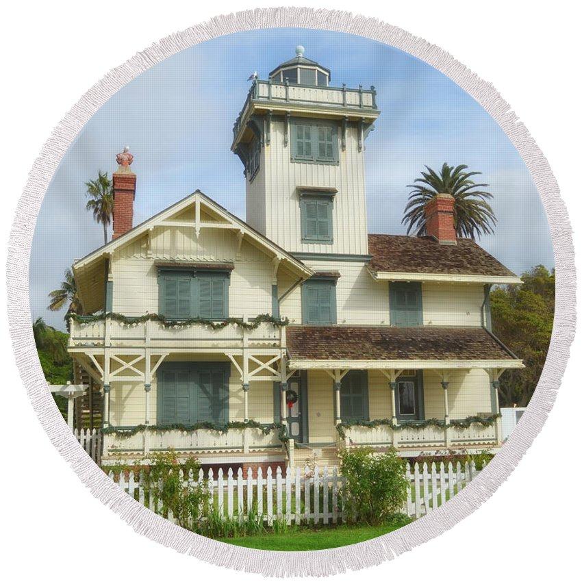 Point Fermin Lighthouse Round Beach Towel featuring the photograph The Point Fermin Lighthouse by Donna Greene