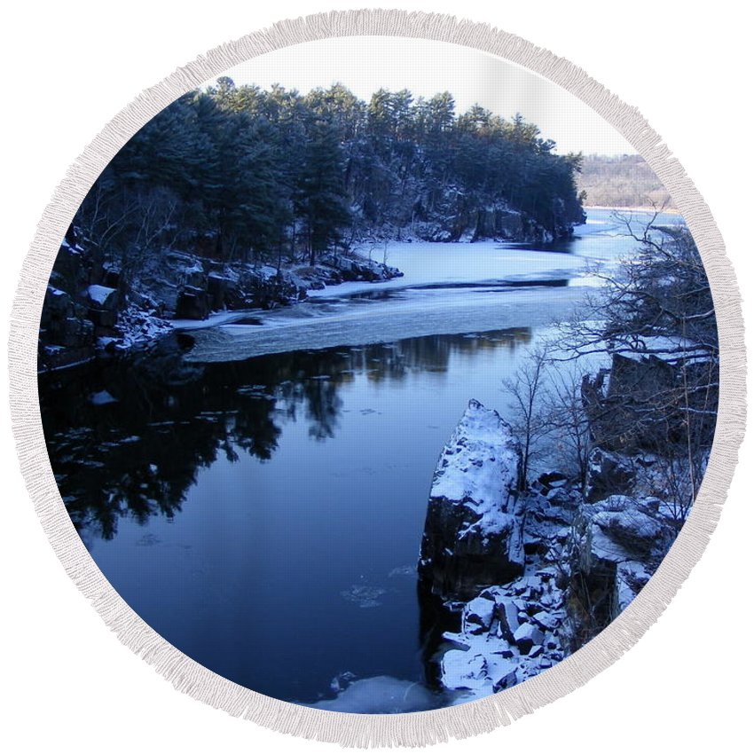 River Round Beach Towel featuring the photograph The St. Croix River In December by Mark Hudon