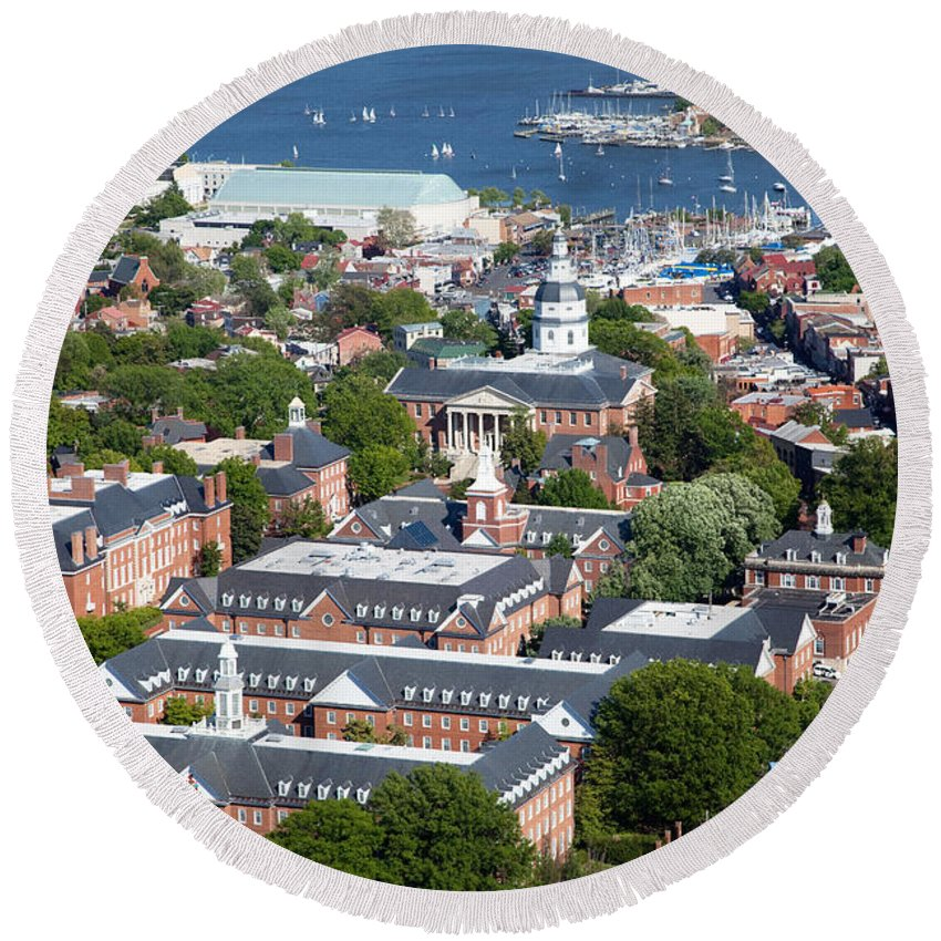 Historic District Round Beach Towel featuring the photograph The State House by Bill Cobb