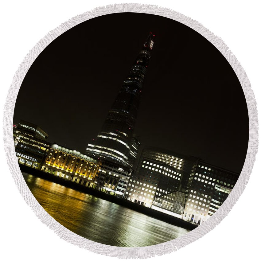 The Shard Round Beach Towel featuring the photograph The Thames Downhill by David Pyatt