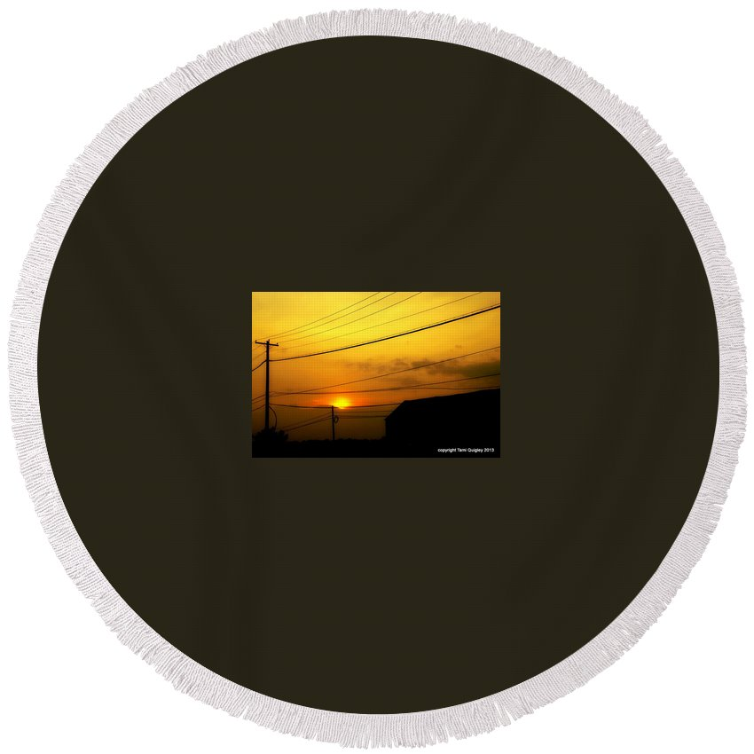 Sunset Round Beach Towel featuring the photograph The Things That Linger by Tami Quigley