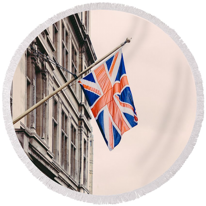 England Round Beach Towel featuring the photograph The Uk by Pati Photography