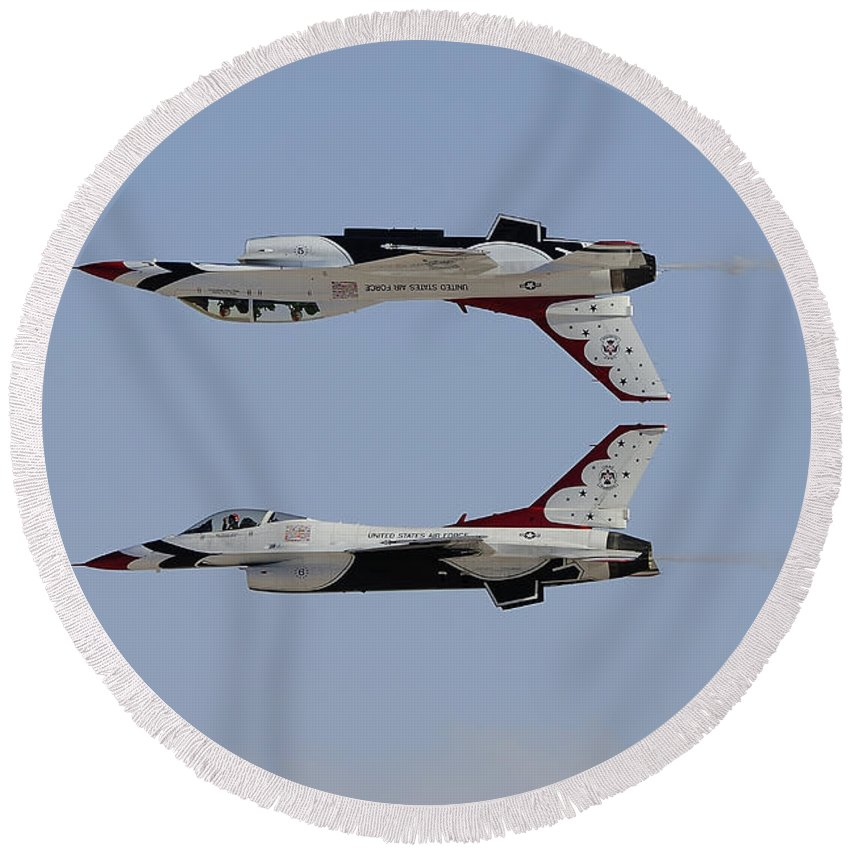 Horizontal Round Beach Towel featuring the photograph The U.s. Air Force Thunderbirds by Remo Guidi