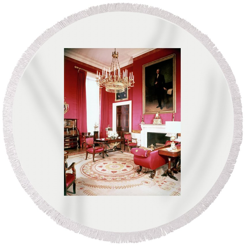 Home Round Beach Towel featuring the photograph The White House Red Room by Tom Leonard