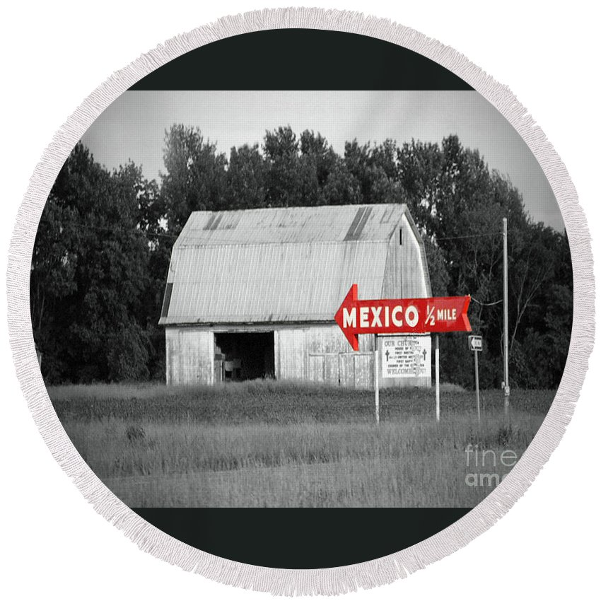 Mexico Round Beach Towel featuring the photograph This Way To Mexico by Jost Houk