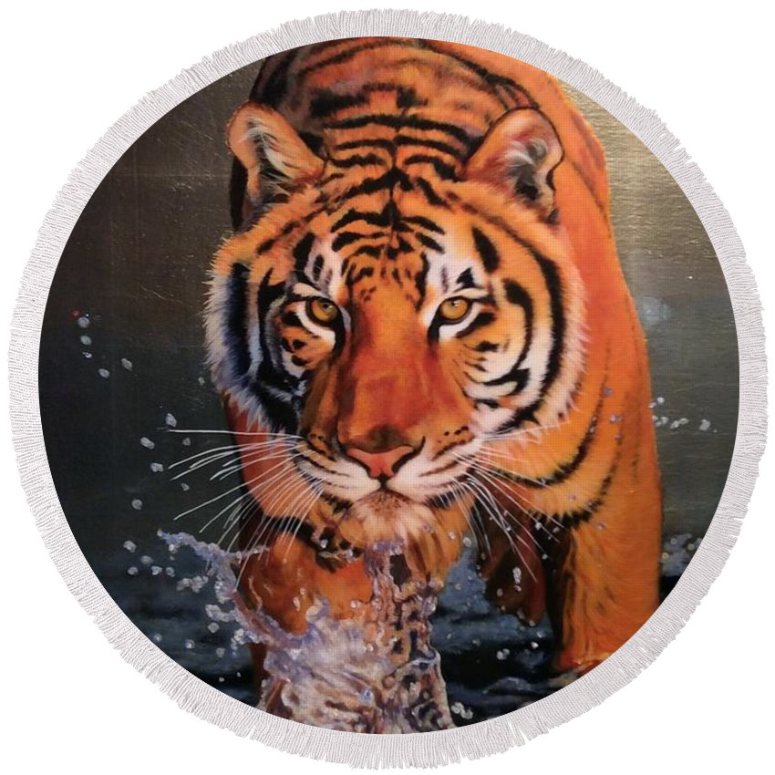 Tiger Round Beach Towel featuring the painting Tiger Crossing Water by Susana Falconi