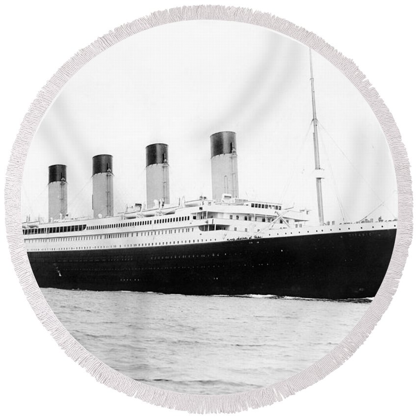 Titanic Rms White Star Line Sunk Ship Ocean Atlantic Southhampton Departing 1912 April 10 Round Beach Towel featuring the photograph Titanic Departing Southhampton by Steve K