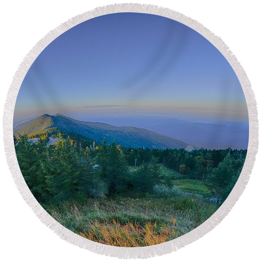 State Round Beach Towel featuring the photograph Top Of Mount Mitchell Before Sunset by Alex Grichenko