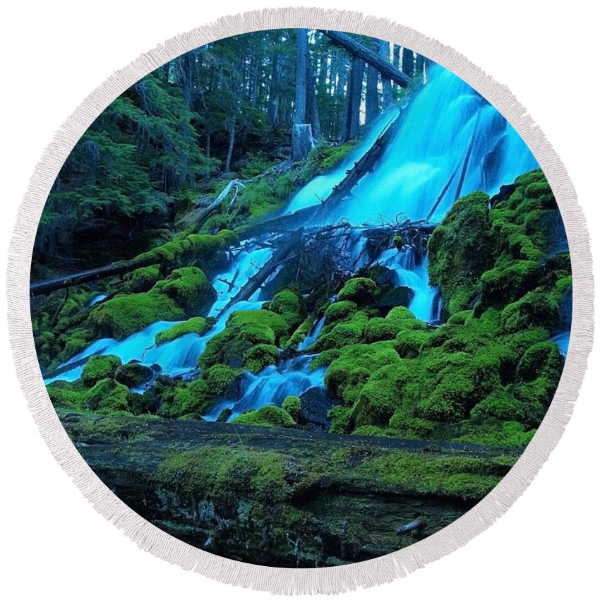 Waterfall Round Beach Towel featuring the photograph Top Part Of Clearwater Falls by Teri Schuster