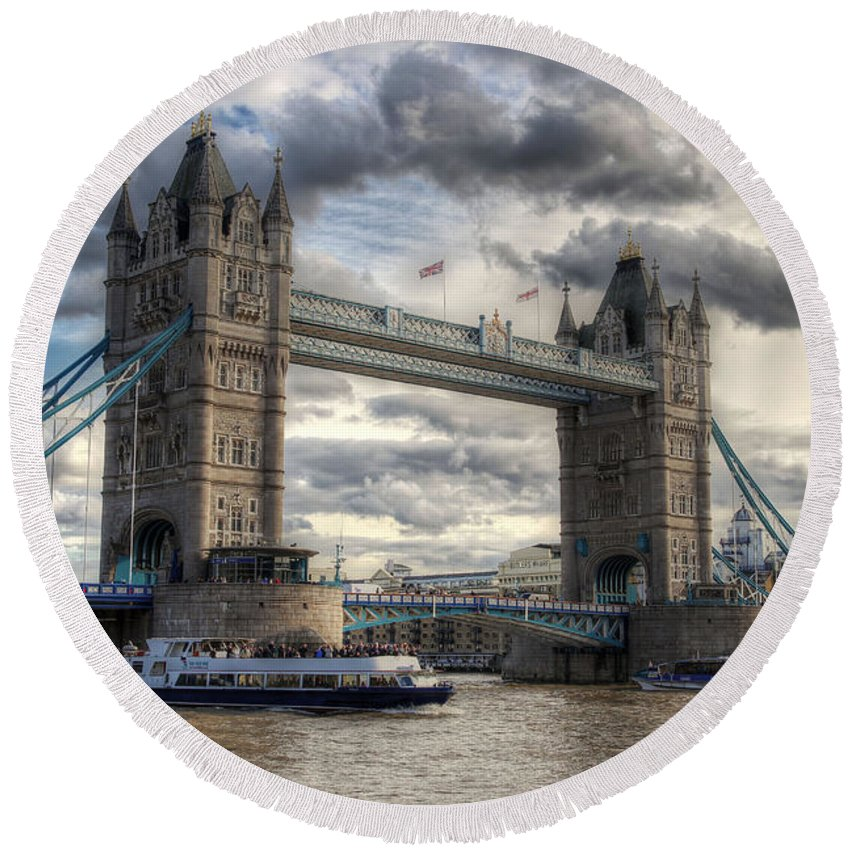 Hdr Round Beach Towel featuring the photograph Tower Bridge by Lee Nichols