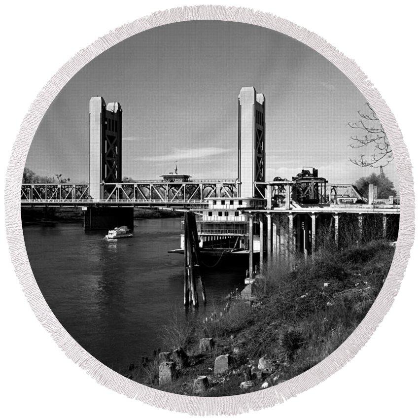 Tower Bridge Round Beach Towel featuring the photograph Tower Bridge Sacramento by Lee Santa