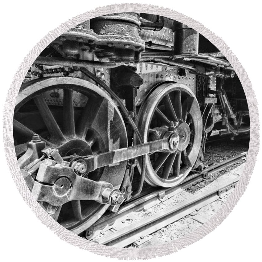 Train - Steam Engine Wheels - Black And White Round Beach Towel