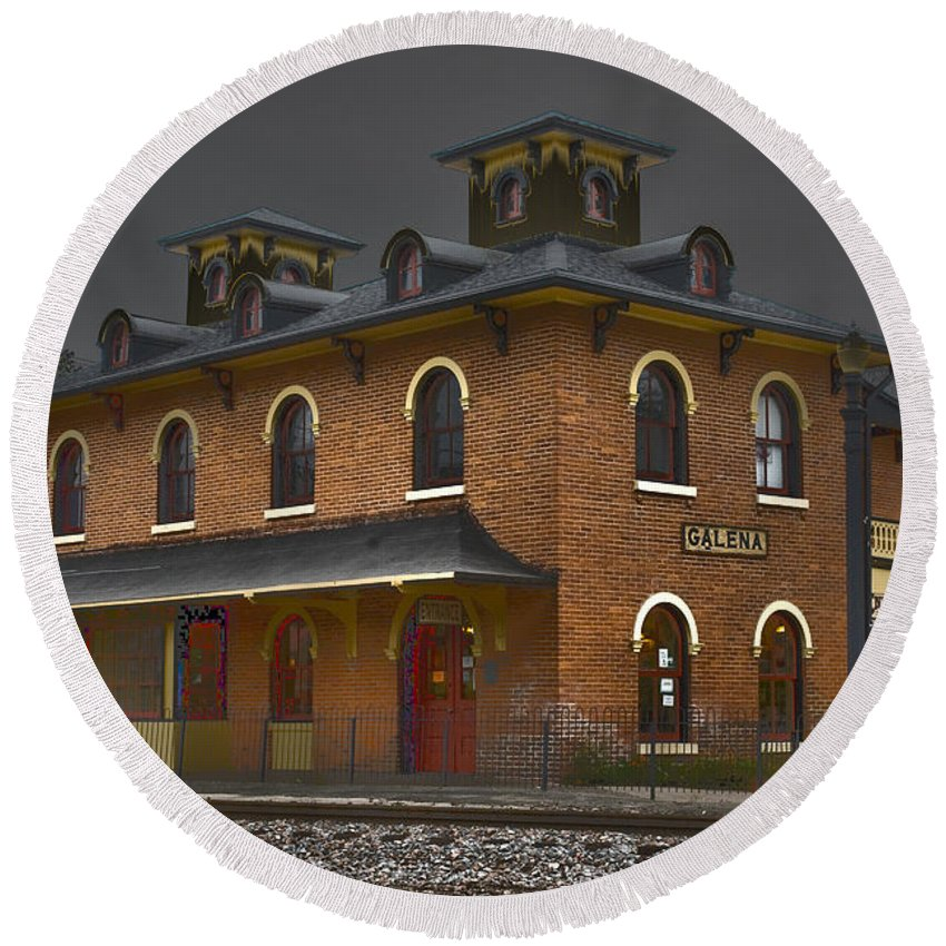 Galena Round Beach Towel featuring the photograph Train Stop by Alan Look