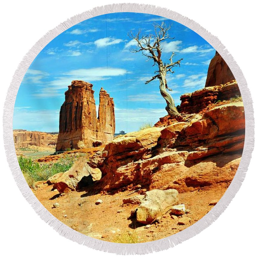 Arches National Park Round Beach Towel featuring the photograph Tree On Park Avenue by Marty Koch