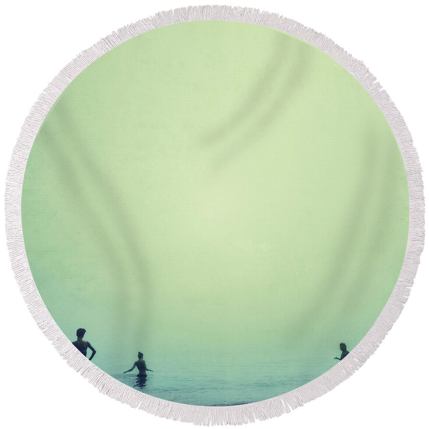 Women Round Beach Towel featuring the photograph Tree Women Sea Dreams by Guido Montanes Castillo