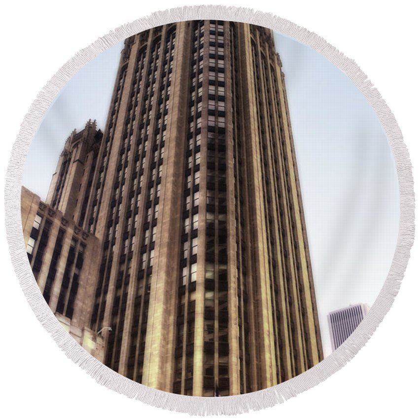Chicago Round Beach Towel featuring the photograph Tribune Tower Facade by Thomas Woolworth