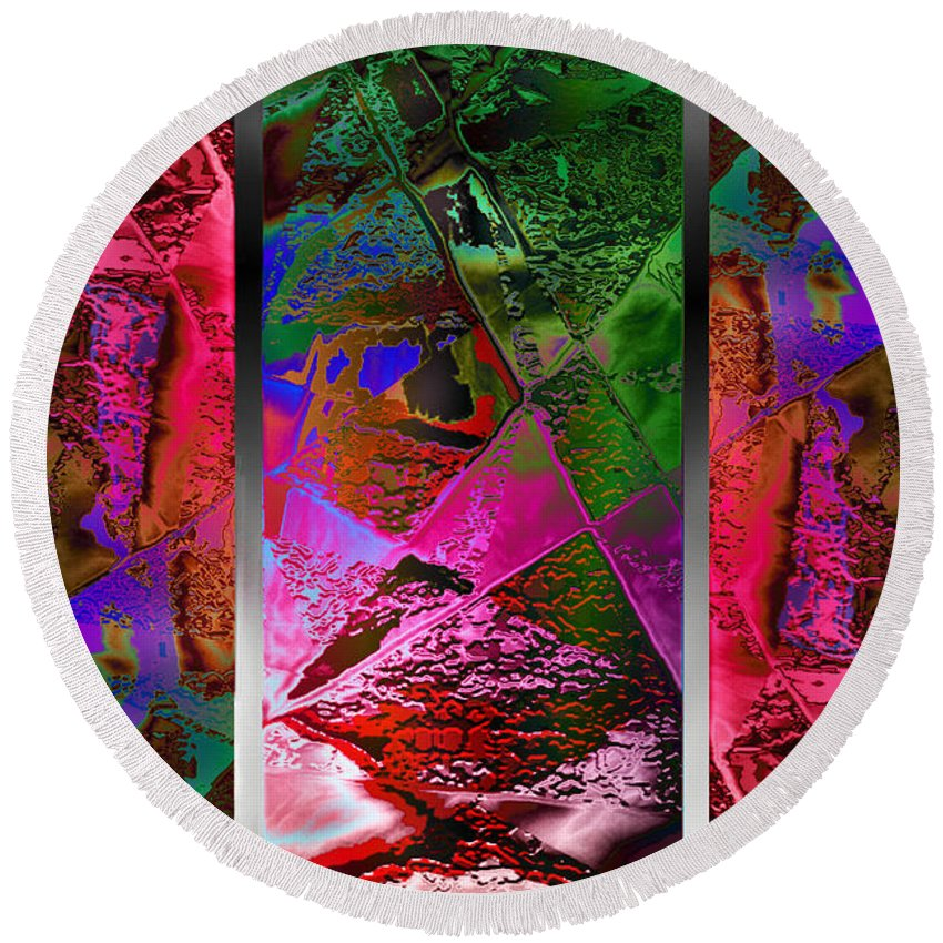 Payers Digital Art Round Beach Towels