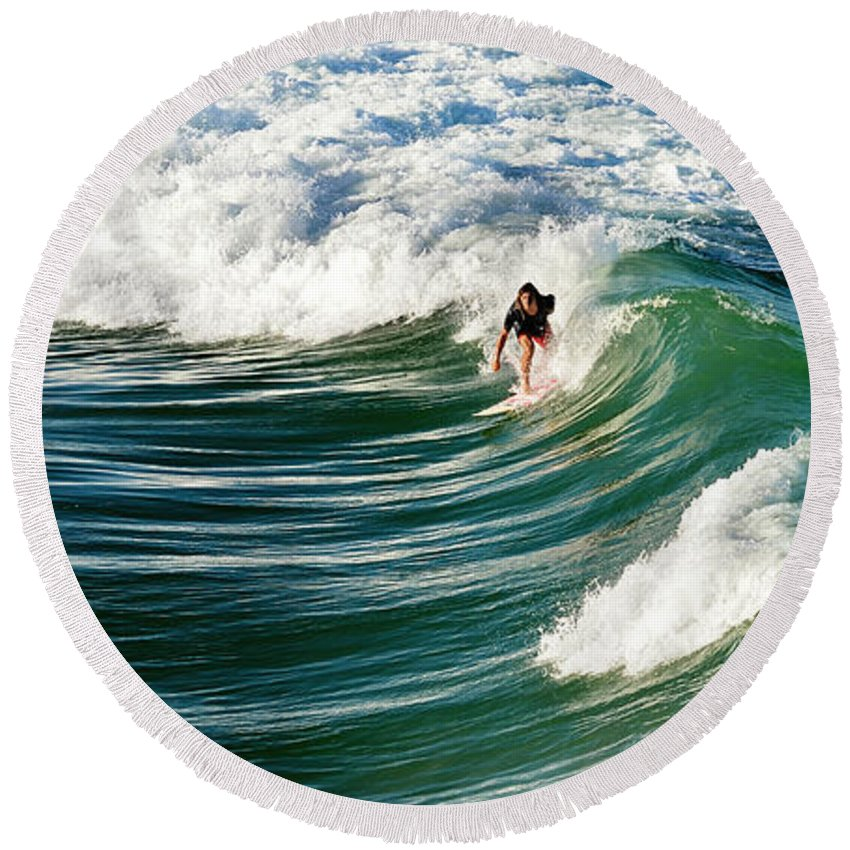 Wave Round Beach Towel featuring the photograph Tropical Wave by Laura Fasulo