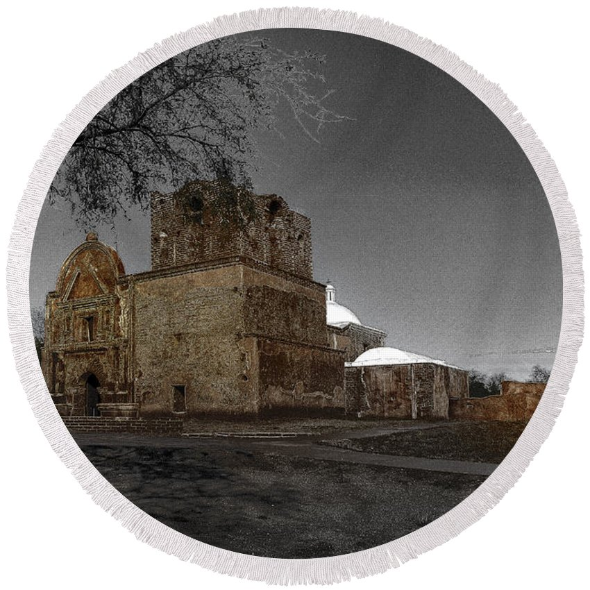 Mission San Jose De Tumacacori Round Beach Towel featuring the photograph Tumacacori 57 by Larry White