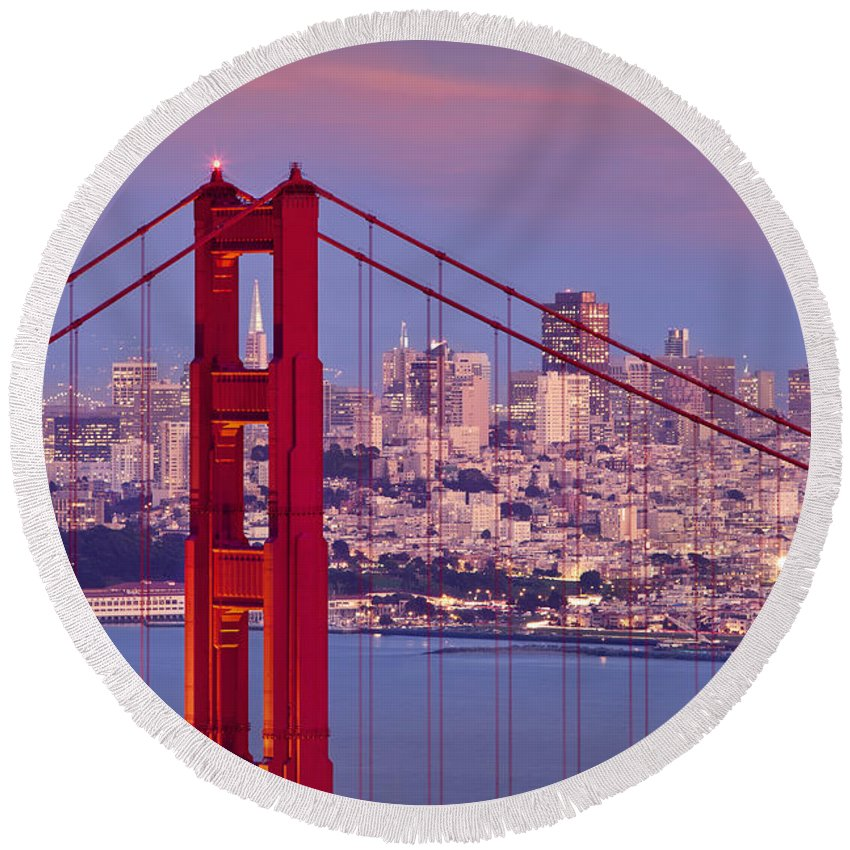 Golden Gate Round Beach Towel featuring the photograph Twilight Over San Francisco by Brian Jannsen