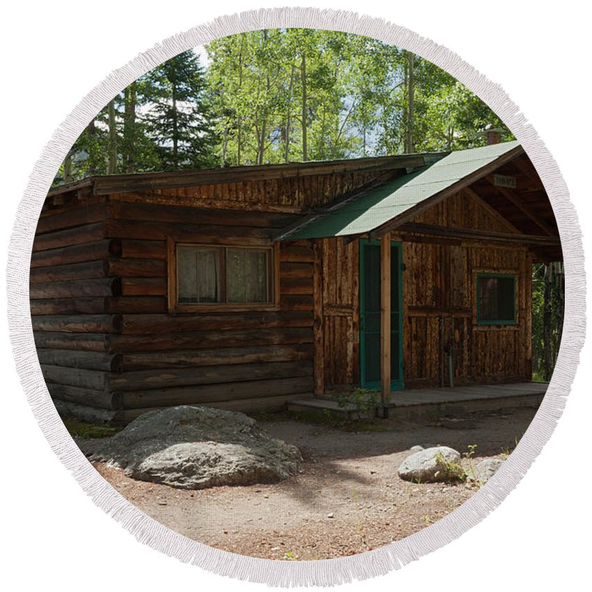 Cabin Round Beach Towel featuring the photograph Twin No. 2 Cabin At The Holzwarth Historic Site by Fred Stearns