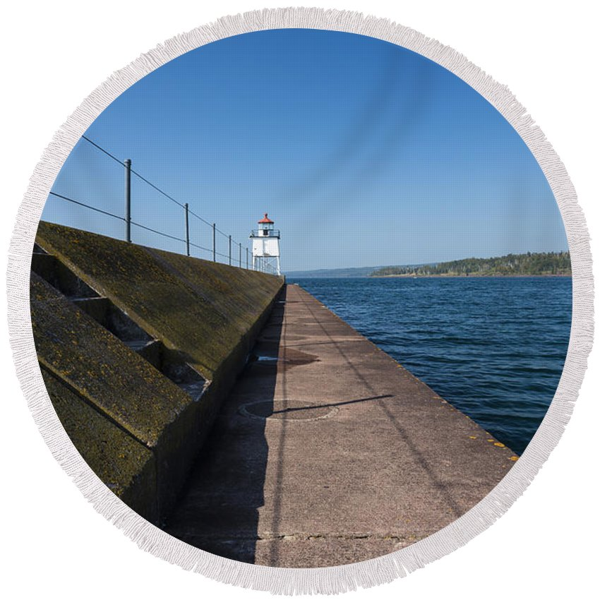 Two Harbors Round Beach Towel featuring the photograph Two Harbors Mn Pier Light 14 by John Brueske
