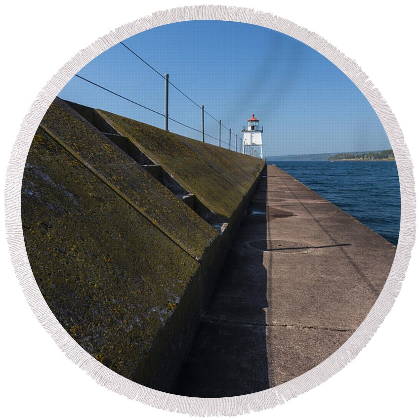 Two Harbors Round Beach Towel featuring the photograph Two Harbors Mn Pier Light 15 by John Brueske