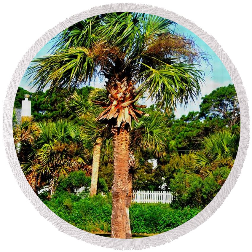 Palm Tree Round Beach Towel featuring the photograph Tybee Palm by Tara Potts
