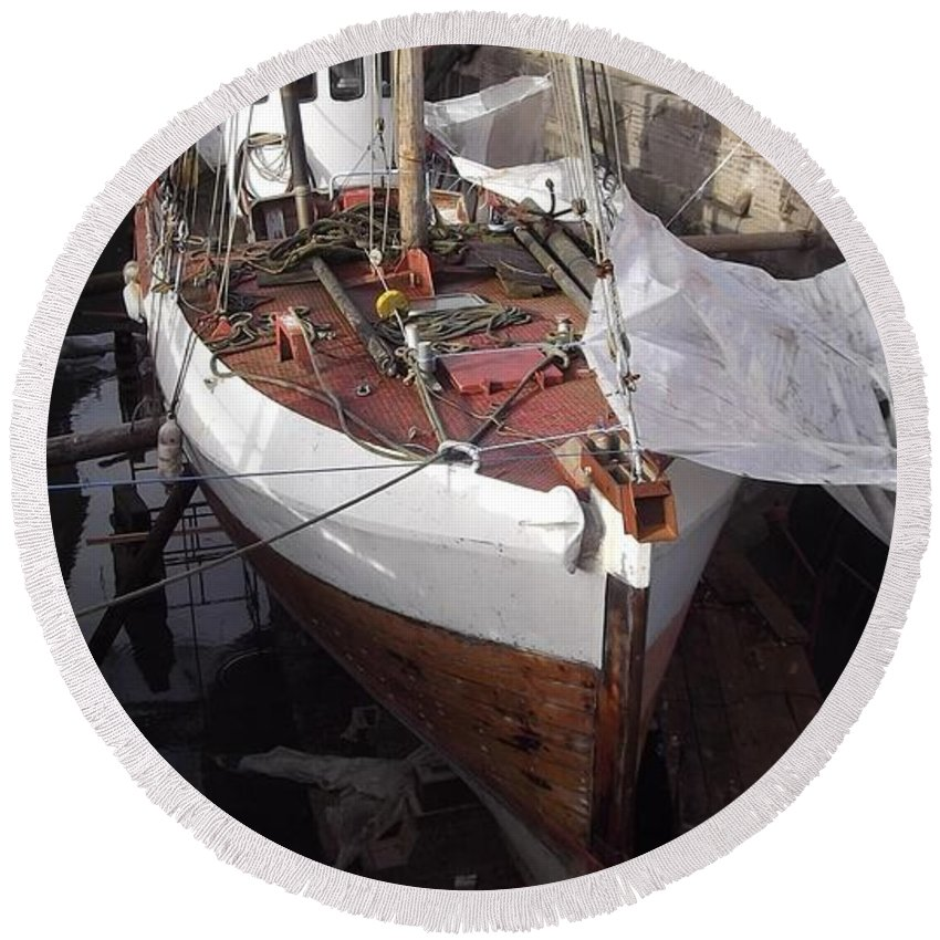 Gloucester Historic Docks Round Beach Towel featuring the photograph Under Repair 1 by John Williams