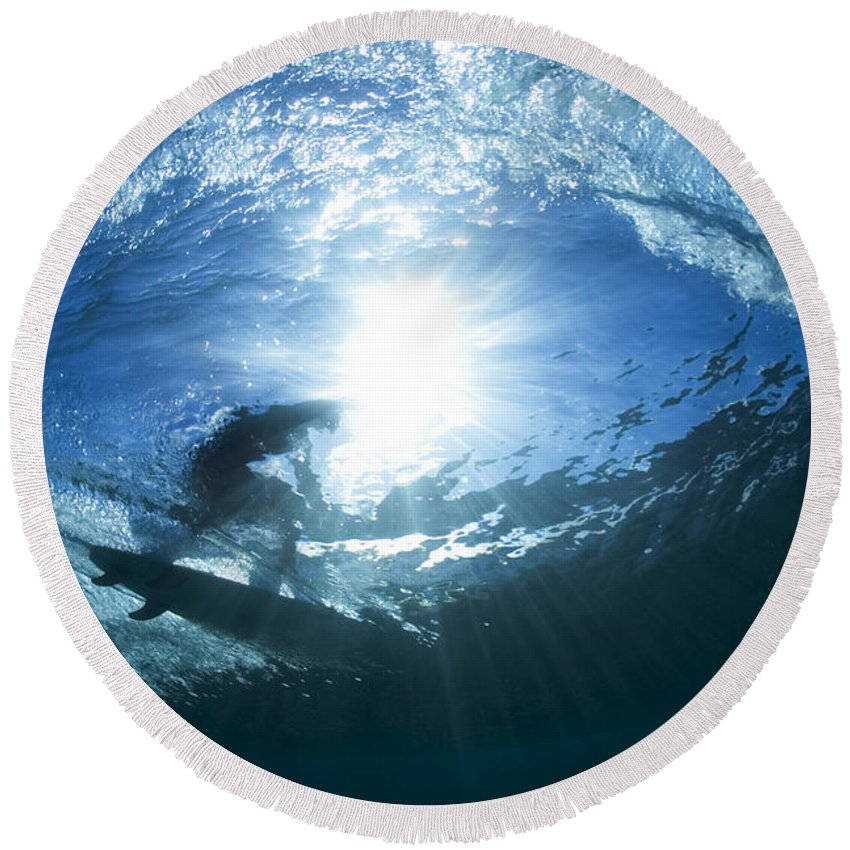 Perfect Surf Round Beach Towel featuring the photograph Surfing Into The Eye by Sean Davey