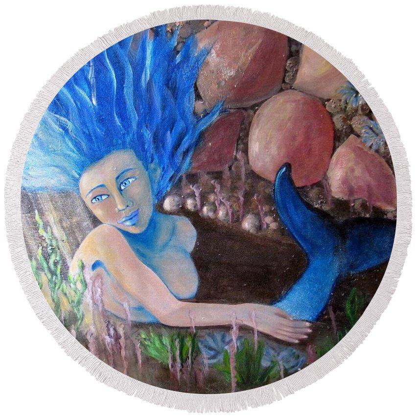 Mermaid Round Beach Towel featuring the painting Underwater Wonder by Laurie Morgan