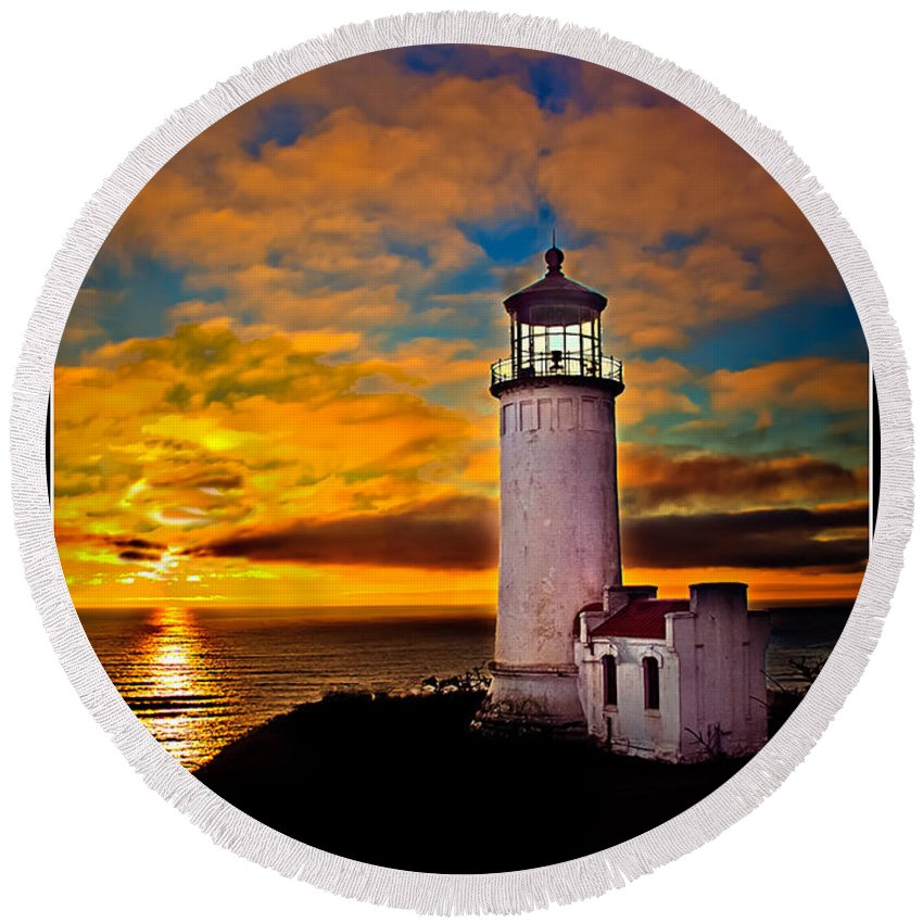 Llighthouse Round Beach Towel featuring the photograph Unforgettable by Robert Bales