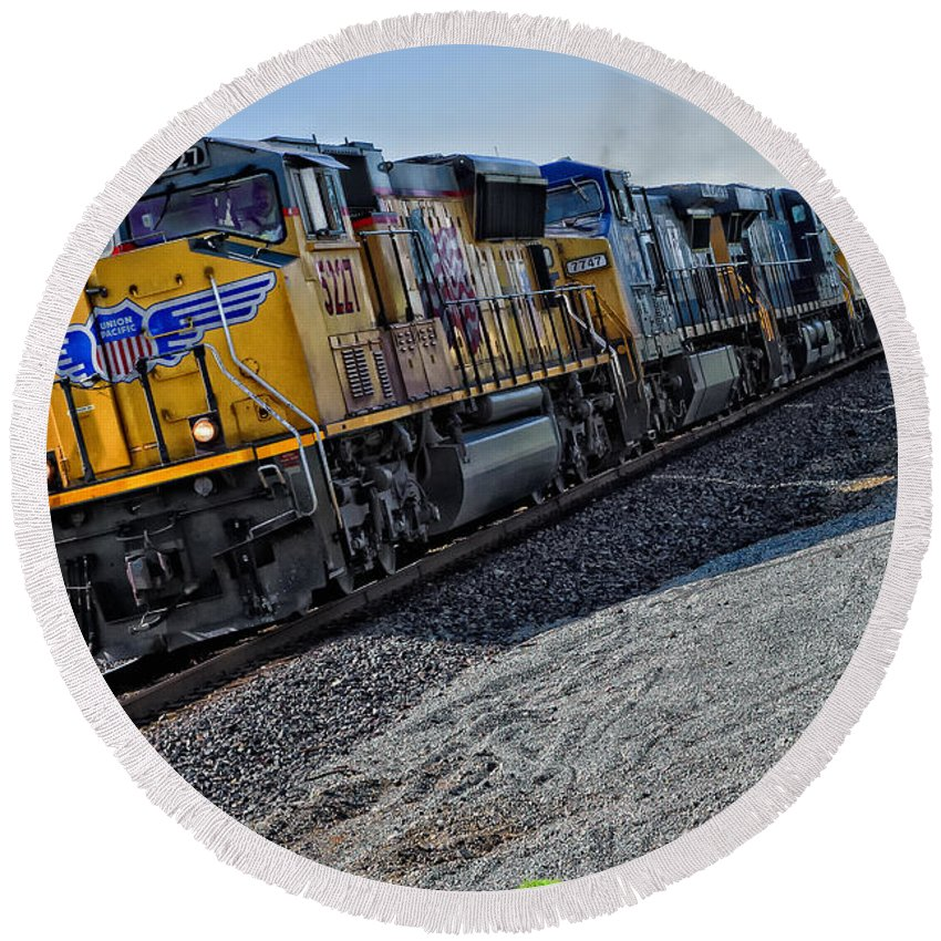 Trains Round Beach Towel featuring the photograph Union Pacific Southbound by Jim Thompson