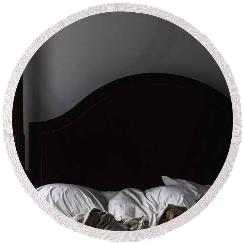 Bed Round Beach Towel featuring the photograph Unkept by Margie Hurwich