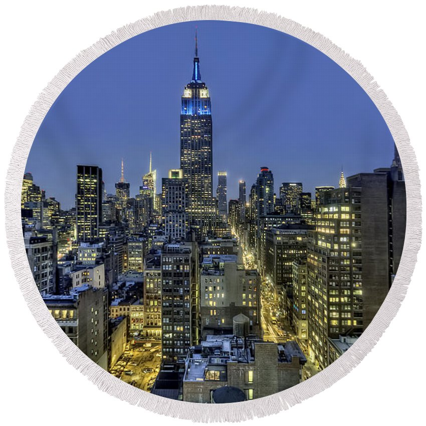 New York Round Beach Towel featuring the photograph Upon A Restless Night by Evelina Kremsdorf