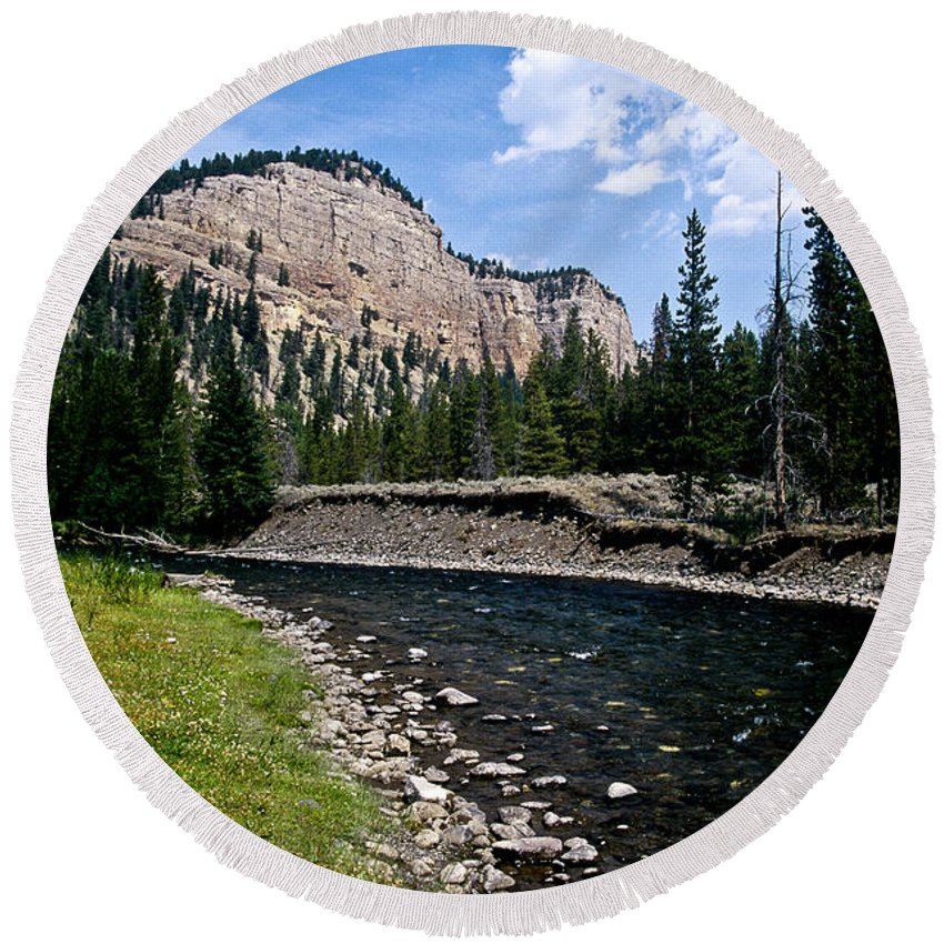 Landscape Round Beach Towel featuring the photograph Upriver In Washake Wilderness by Kathy McClure