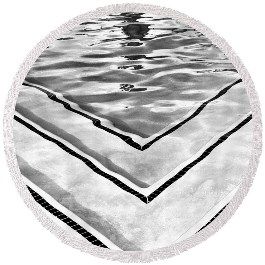 V Round Beach Towel featuring the photograph V Shape 2 Palm Springs by William Dey