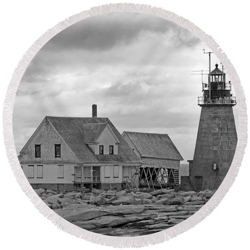 Lighthouse Round Beach Towel featuring the photograph Vacant On The Ocean by Betsy Knapp