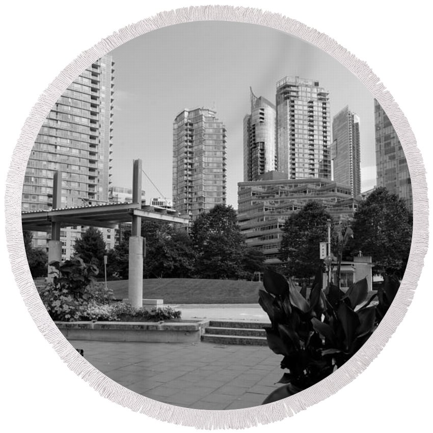 Black And White Round Beach Towel featuring the photograph Vancouver Canada Skyscrapers And Park by Bill Cobb