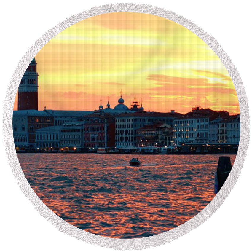 Venezia Round Beach Towel featuring the photograph Venice Colors by Valentino Visentini