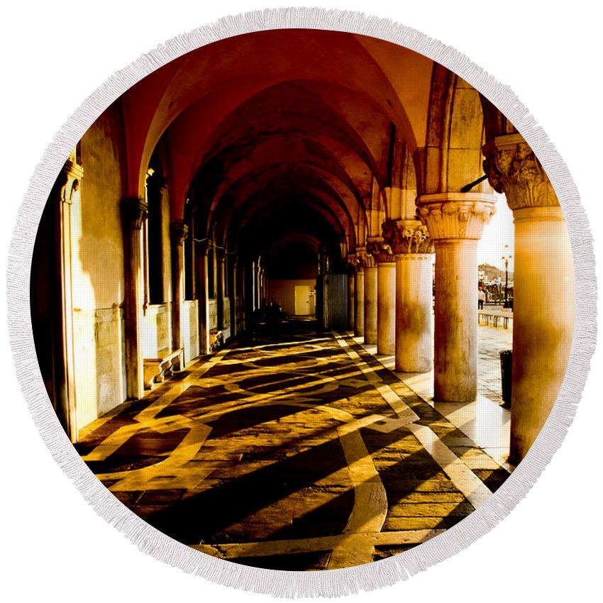 Venice Round Beach Towel featuring the photograph Venice Hallway In The Morning by Anthony Doudt