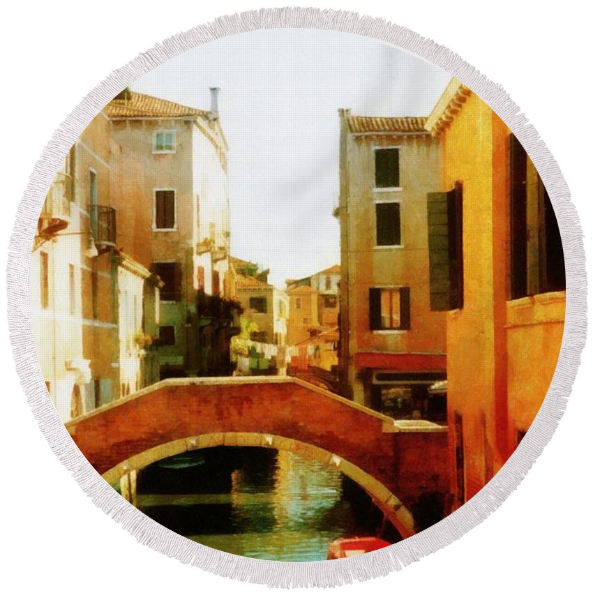 Venezia Round Beach Towel featuring the photograph Venice Italy Canal With Boats And Laundry by Michelle Calkins