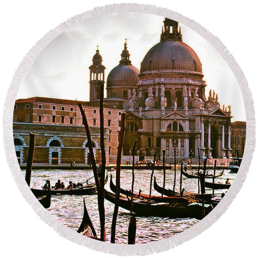 Venice Round Beach Towel featuring the photograph Venice The Grand Canal by Ira Shander