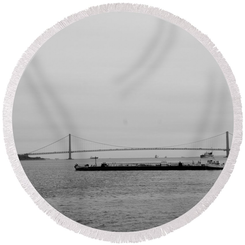 Harbor Round Beach Towel featuring the photograph Verrazano Bridge In Black And White by Rob Hans