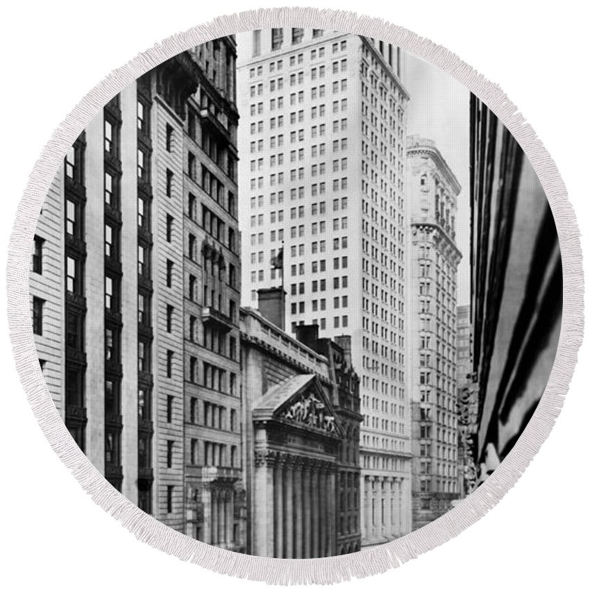 1912 Round Beach Towel featuring the photograph View Of Wall Street by Irving Underhill