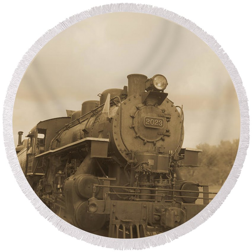 Train Round Beach Towel featuring the photograph Vintage Steam Locomotive by Edward Fielding